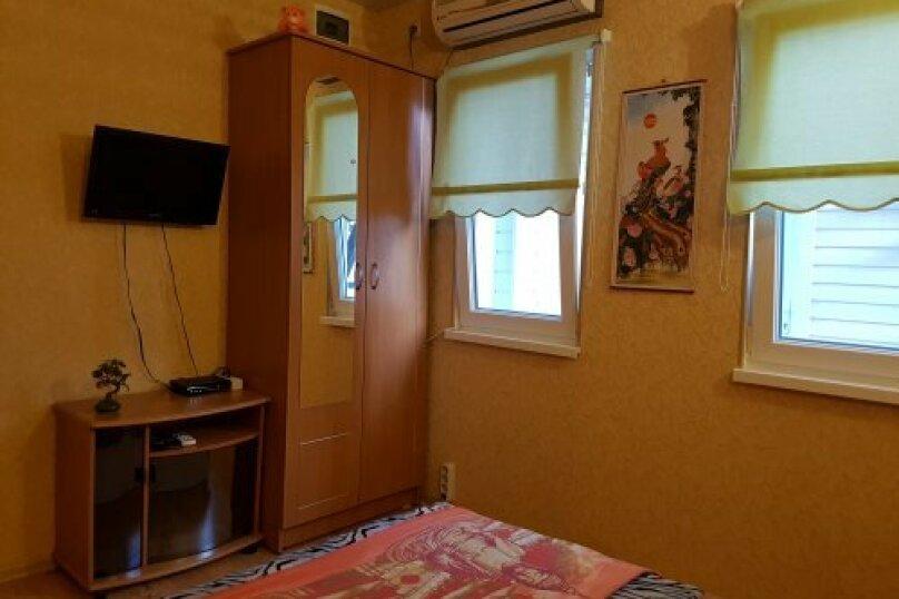 """Гостевой дом """"На 14 апреля 12"""", улица 14 апреля, 12 на 8 комнат - Фотография 41"""