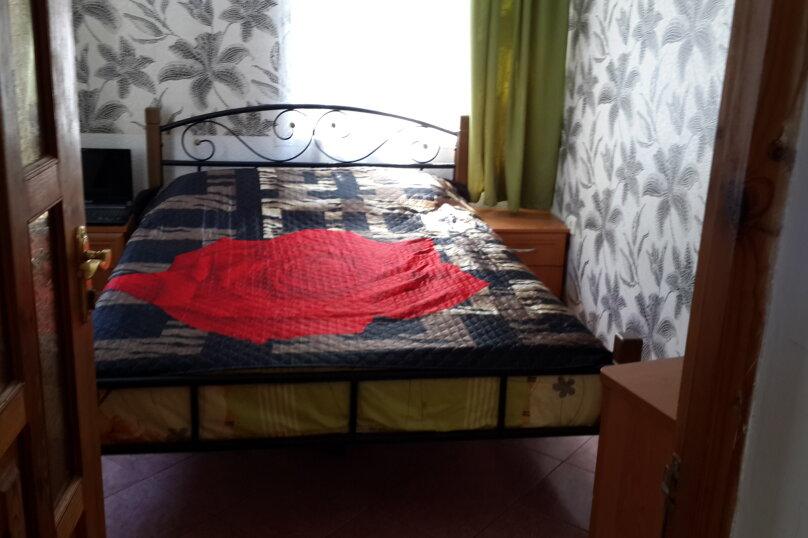 Дом, 50 кв.м. на 4 человека, 2 спальни, улица Чкалова, 61, Феодосия - Фотография 3
