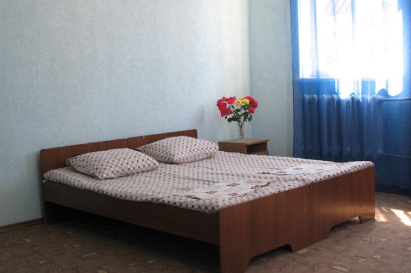 Номера с удобствами., Чкалова, 86, Евпатория - Фотография 2