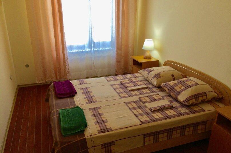2-х комнатный с межкомнатной дверью и балконом, м-н Юго-Западный., 50, Судак - Фотография 1