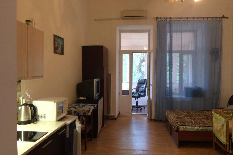 1-комн. квартира, 40 кв.м. на 5 человек, улица Карла Маркса, 45, Феодосия - Фотография 1