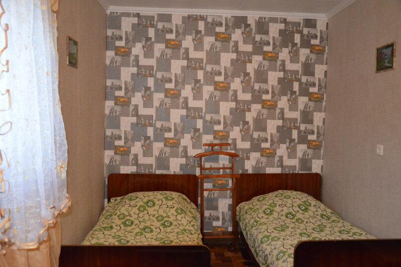 Двухкомнатный номер 1 этаж, улица Нахимова, 53, Феодосия - Фотография 1