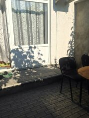 Коттедж, 50 кв.м. на 6 человек, 1 спальня, ул.Луговая, 12-а, Черноморское - Фотография 2