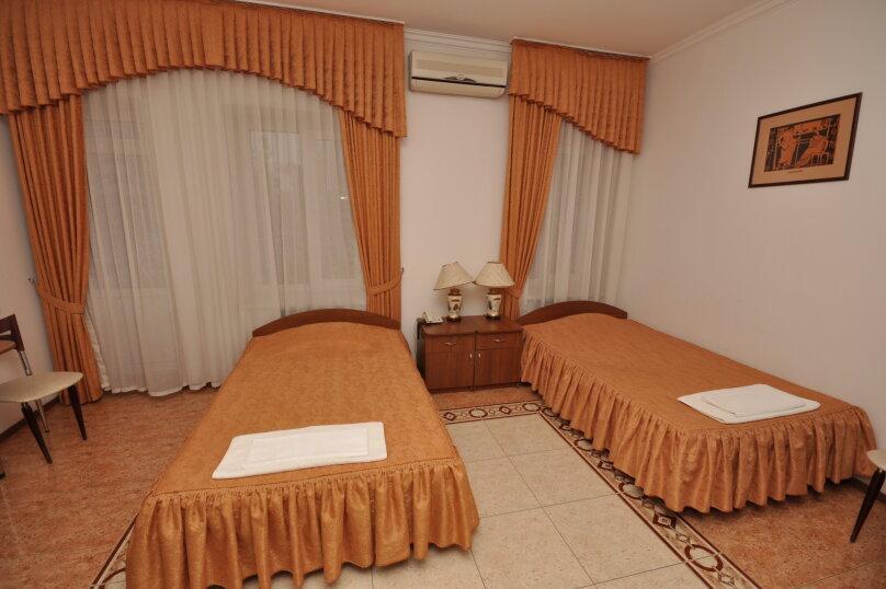 Стандартный двухместный номер с 2 отдельными кроватями, Терская улица, 52, Анапа - Фотография 1