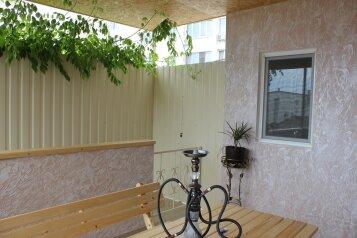 Сдам собственный трехкомнатный коттедж,до моря 5 минут!, 75 кв.м. на 9 человек, 3 спальни, Интернациональная улица, Евпатория - Фотография 2
