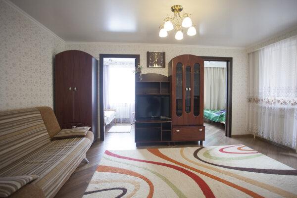 2-комн. квартира, 40 кв.м. на 4 человека, улица Победы, 77, Лазаревское - Фотография 1