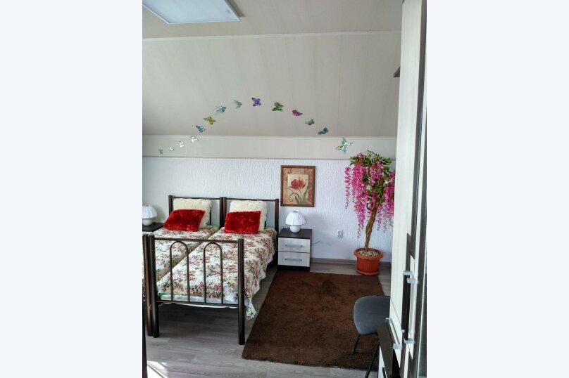 """Гостевой дом """"Орлиное Гнездо"""", Нижнесадовая улица, 242 на 3 комнаты - Фотография 7"""