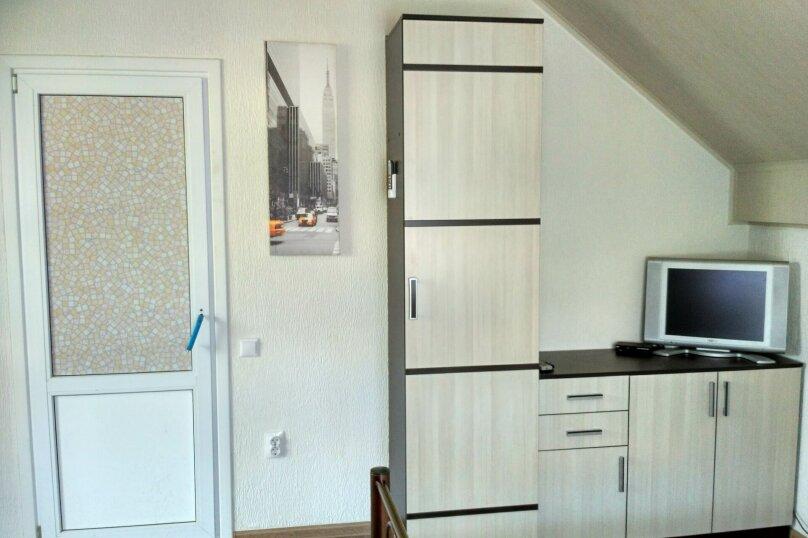 """Гостевой дом """"Орлиное Гнездо"""", Нижнесадовая улица, 242 на 3 комнаты - Фотография 47"""