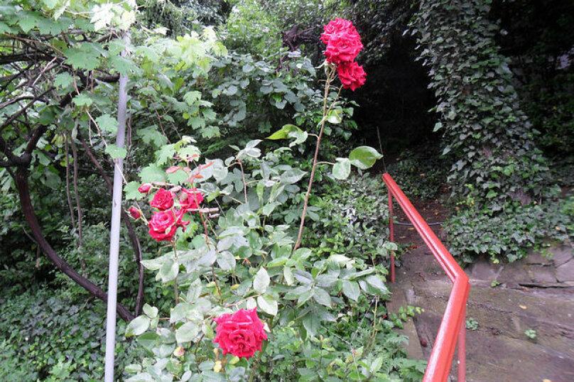 Дом с зелёным двориком, 100 кв.м. на 6 человек, 2 спальни, улица Загородная, дом 8, Ялта - Фотография 15