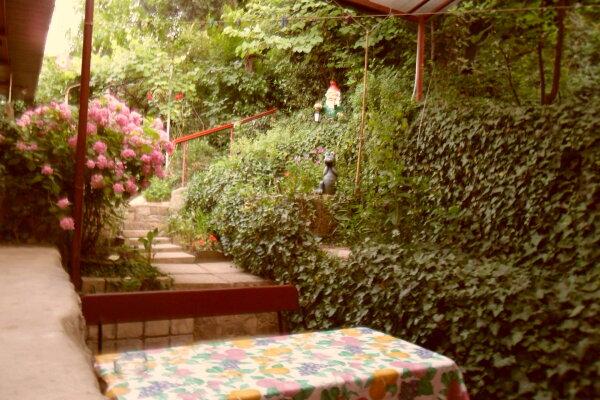 Дом с зелёным двориком, 100 кв.м. на 6 человек, 2 спальни, улица Загородная, дом 8, Ялта - Фотография 1