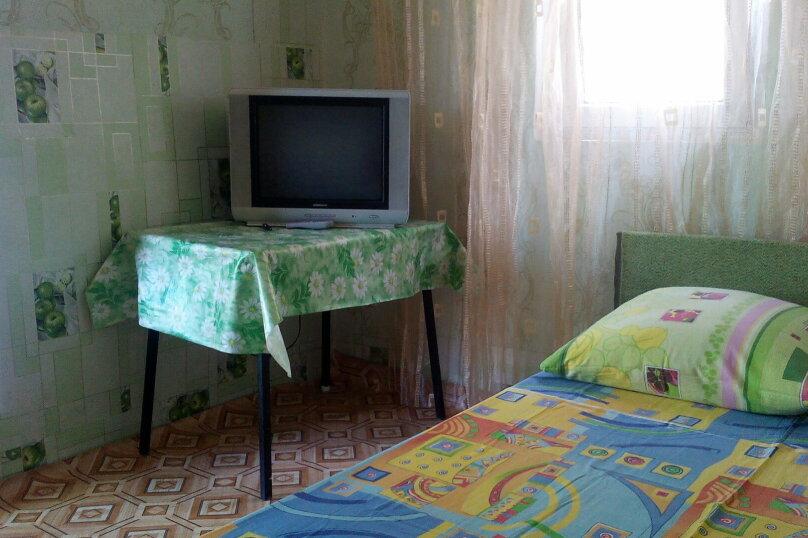 Комната 0: Комната в гостевом домике на 3 человека,  с отдельным входом, под ключ., улица Александрова, 4, Соль-Илецк - Фотография 1