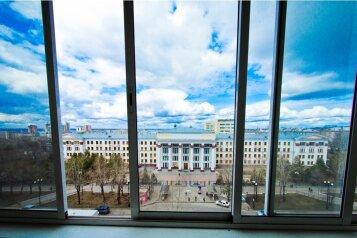 1-комн. квартира, 36 кв.м. на 3 человека, улица Серышева, Центральный округ, Хабаровск - Фотография 2