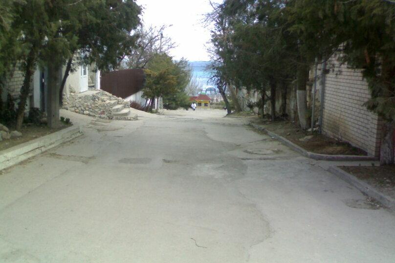 2-комн. квартира, 25 кв.м. на 4 человека, переулок 30 стрелковой дивизии, 1 кв 10, Феодосия - Фотография 1
