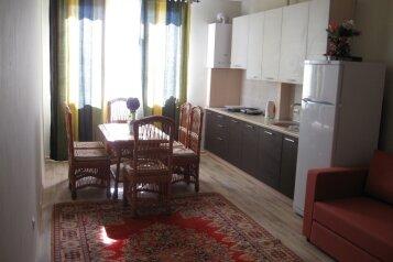 1-комн. квартира, 54 кв.м. на 5 человек, Черноморская набережная, Феодосия - Фотография 1