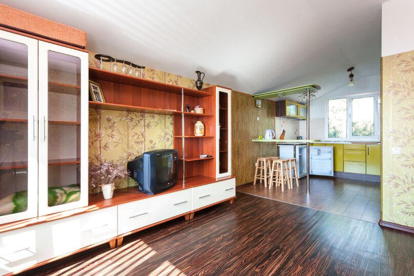 Комфортабельный видовой номер, 50 кв.м. на 4 человека, 1 спальня, шоссе свободы, 15 б, Алупка - Фотография 19