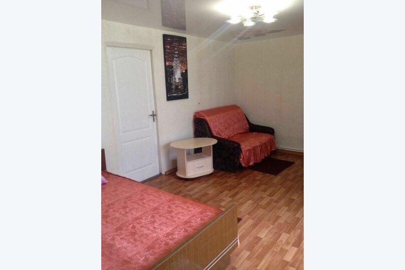 Дом 59 м² на участке 3 сот., 59 кв.м. на 10 человек, 2 спальни, Шевченко, 131, Ейск - Фотография 8