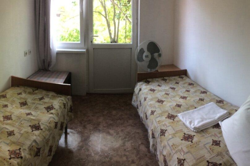 2-х местный с собственной  ванной комнатой и вентилятором, улица Ватутина, 6, Вишневка, Сочи - Фотография 3