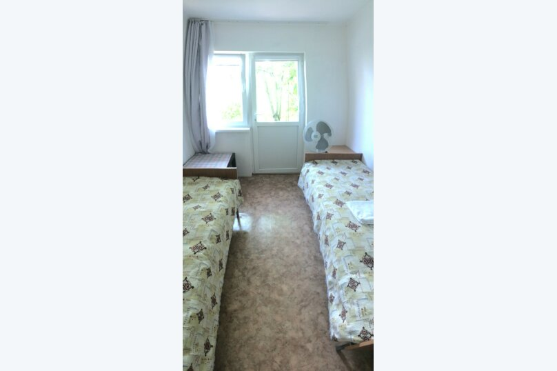 2-х местный с собственной  ванной комнатой и вентилятором, улица Ватутина, 6, Вишневка, Сочи - Фотография 4