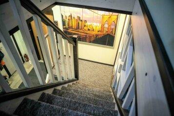 Загородный коттедж у пруда для большой компании, 160 кв.м. на 18 человек, 5 спален, дер. Кискелово, 38, Санкт-Петербург - Фотография 3