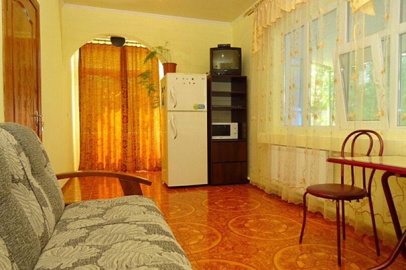 Дом под ключ на 6-8 человек., 80 кв.м. на 8 человек, 3 спальни, Мастеров, 8, Судак - Фотография 12