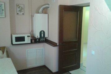 Дом, 100 кв.м. на 7 человек, 4 спальни, улица Чекиста Галушкина, 36, Евпатория - Фотография 3