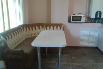 Дом, 100 кв.м. на 7 человек, 4 спальни, улица Чекиста Галушкина, 36, Евпатория - Фотография 4