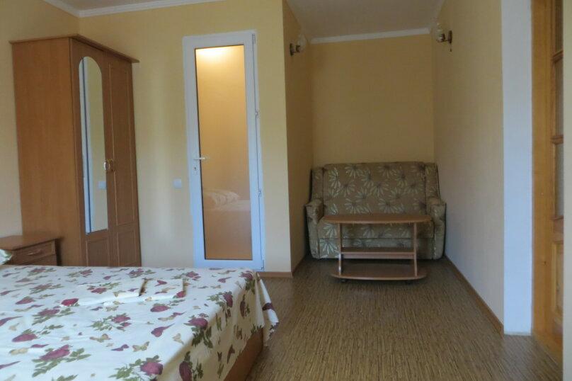 """Жилой дом с комнатами  """"На Бирюзова 37"""", улица Бирюзова, 37 на 6 комнат - Фотография 3"""