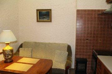 2-комн. квартира, 50 кв.м. на 3 человека, Красноармейская, 4, Феодосия - Фотография 2