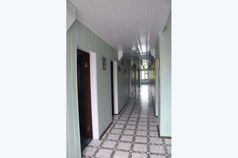 "Комнаты для отпуска ""Кипарис"", улица Мира, 26Б на 10 комнат - Фотография 8"