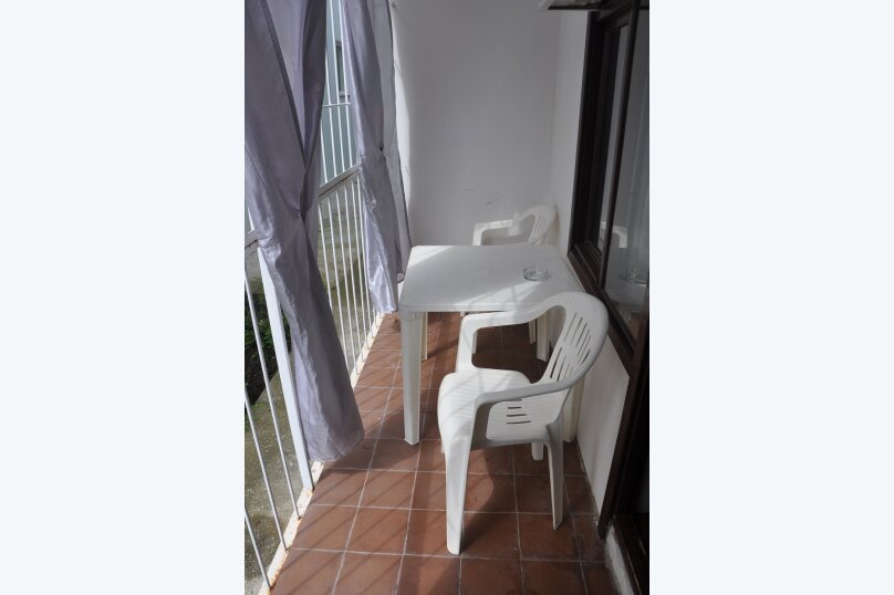 "Комнаты для отпуска ""Кипарис"", улица Мира, 26Б на 10 комнат - Фотография 9"
