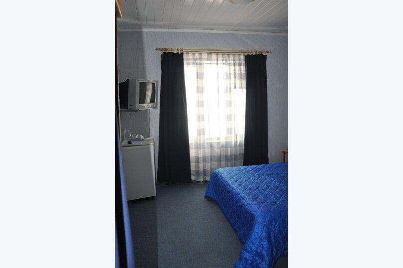 "Комнаты для отпуска ""Кипарис"", улица Мира, 26Б на 10 комнат - Фотография 16"