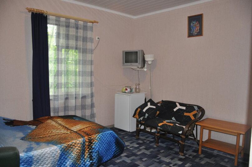 "Комнаты для отпуска ""Кипарис"", улица Мира, 26Б на 10 комнат - Фотография 17"