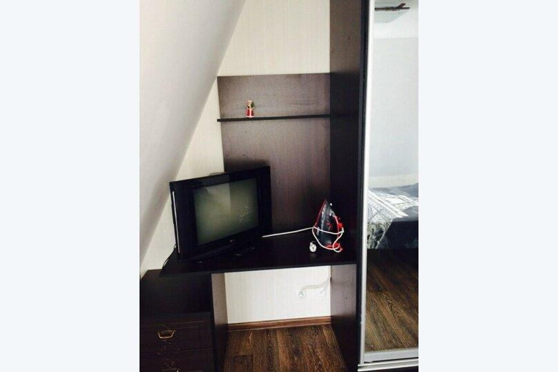 2-комнатный дом, 40 кв.м. на 4 человека, 2 спальни, улица Карла Маркса, 4, Алушта - Фотография 2