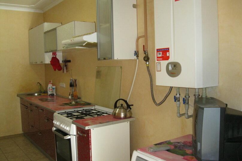 Двухкомнатный дом со двором, 80 кв.м. на 6 человек, 3 спальни, улица Шмидта, 22, Евпатория - Фотография 3
