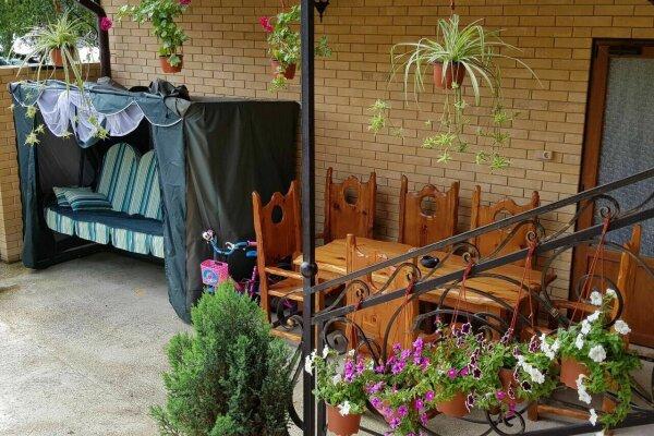 Гостевой дом, улица Голубые Дали, 40А на 10 номеров - Фотография 1