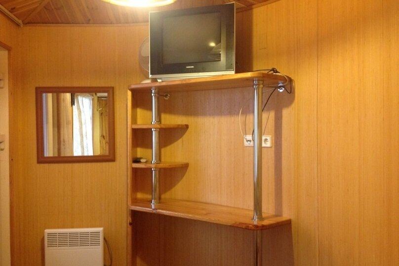 Квартира на 2-х в частном секторе, недалеко от пляжа., 16 кв.м. на 2 человека, 1 спальня, улица Ленина, 48, Алупка - Фотография 3