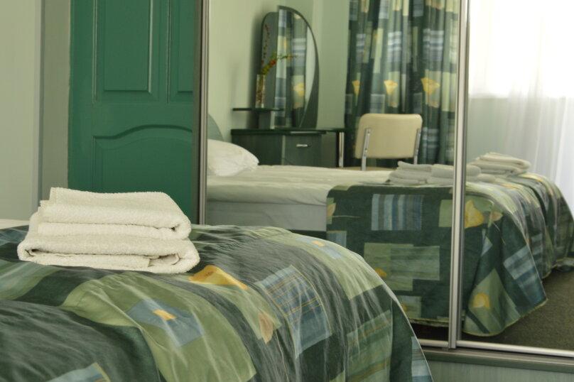 Гостиница 750022, Генерала Острякова, 10 на 22 комнаты - Фотография 12