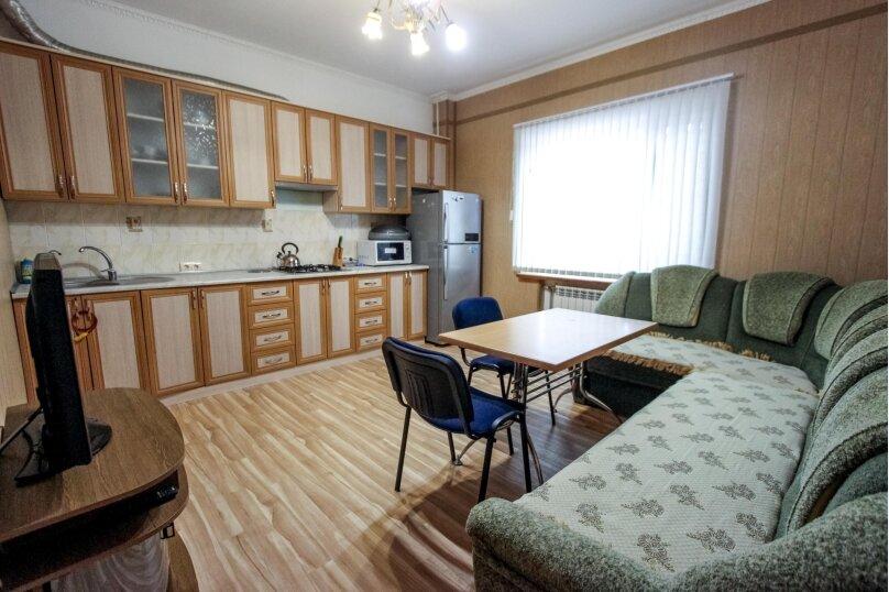 """Мини-отель """"Максим"""", Лучистая, 27 на 13 комнат - Фотография 6"""