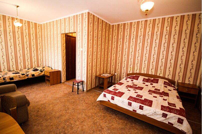 Гостевой дом Атон, улица Гоголя, 41 на 25 комнат - Фотография 11