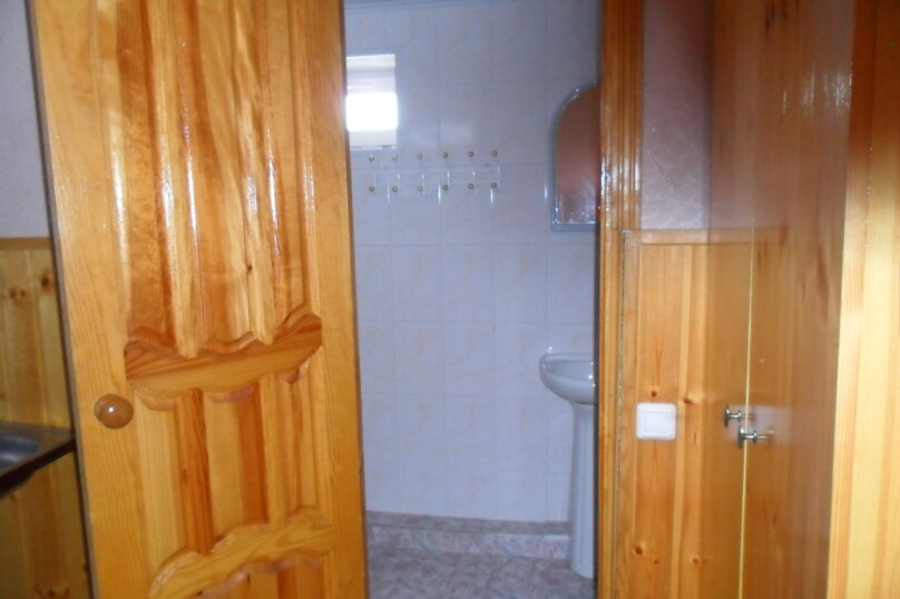 Комнаты для летнего отдыха в частном доме, Трудящихся, 13 на 4 комнаты - Фотография 13