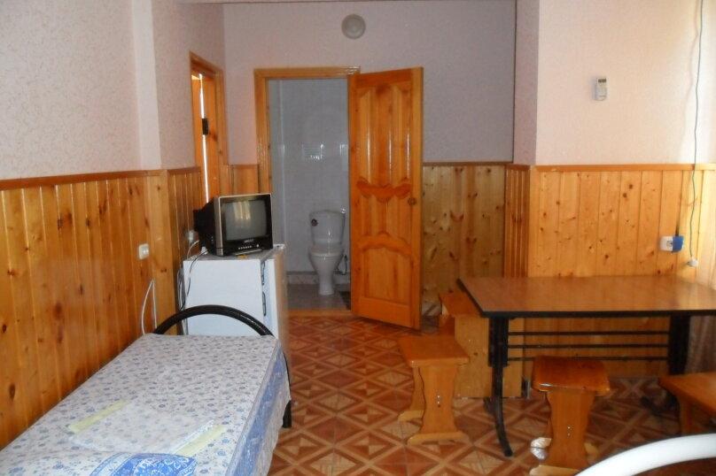 Комнаты для летнего отдыха в частном доме, Трудящихся, 13 на 4 комнаты - Фотография 23