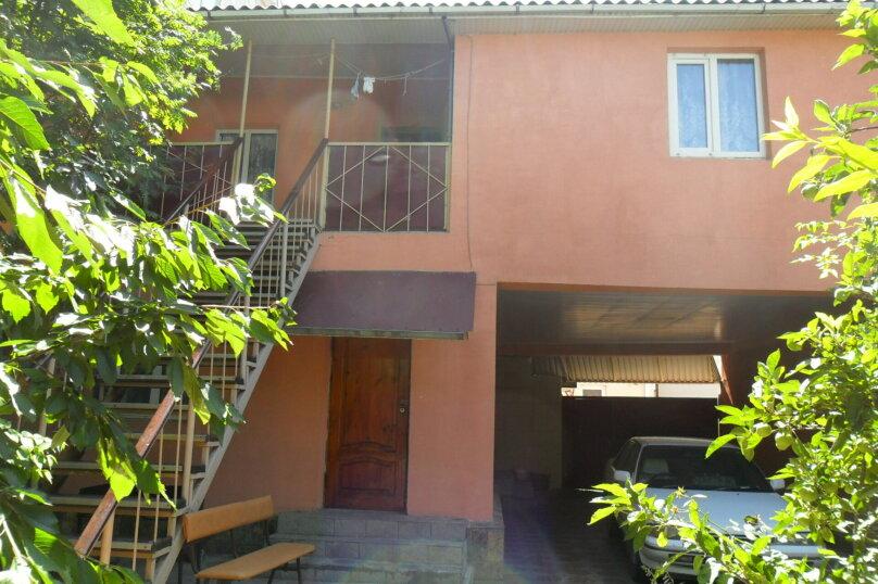 Комнаты для летнего отдыха с удобствами, улица Тургенева, 261 А/2 на 4 комнаты - Фотография 1