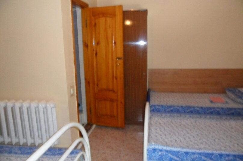 Комнаты для летнего отдыха с удобствами, улица Тургенева, 261 А/2 на 4 комнаты - Фотография 9
