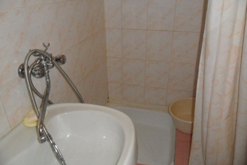 Комнаты для летнего отдыха с удобствами, улица Тургенева, 261 А/2 на 4 комнаты - Фотография 16