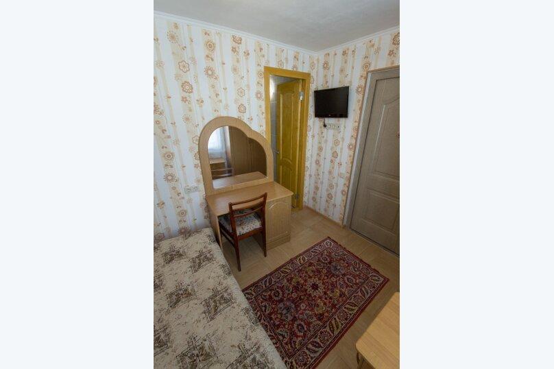 """Гостевой дом """"На Новороссийской 82"""", Новороссийская, 82 на 8 комнат - Фотография 31"""