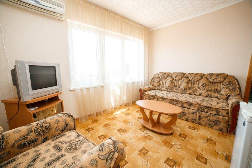 2х-комнатный со смежными комнатами, улица Гора Фирейная, 18, район горы Фирейная , Судак - Фотография 12