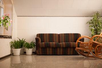 Дом в гостях у Ксении, 200 кв.м. на 8 человек, 3 спальни, Южная, Петродворец - Фотография 3