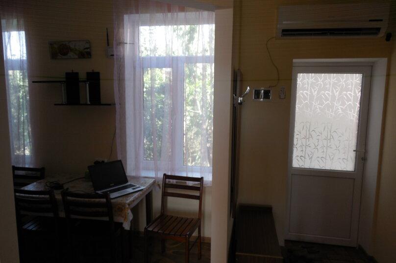 Частный дом 2x комнатный, 45 кв.м. на 4 человека, 2 спальни, Сурожская улица, 13, Судак - Фотография 11