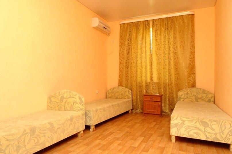 "Гостевой дом ""у Алима"", улица Ковропрядов, 8 на 5 комнат - Фотография 9"