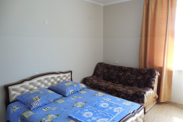 Частный дом 2x комнатный, 45 кв.м. на 4 человека, 2 спальни, Сурожская улица, 13, Судак - Фотография 1